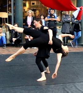 Feuerfeen Tanz Akrobatik Luftartistik